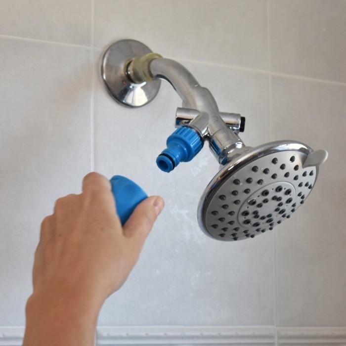 Sélection Printemps - Pommeau de douche massant pour chiens