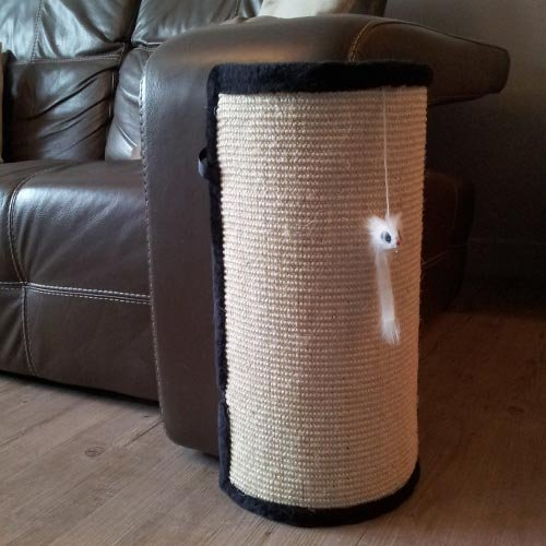griffoir d 39 angle iga griffoir pour chat wanimo. Black Bedroom Furniture Sets. Home Design Ideas