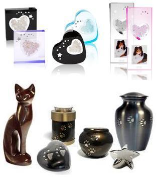 Différents modèles d'urnes funéraires pour chien